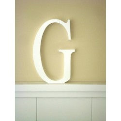 """Silueta letra grande """"G"""" lacada color blanco"""