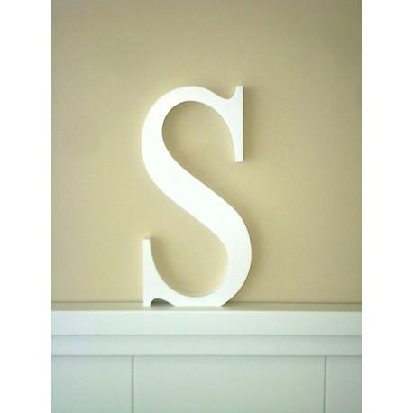 """Silueta letra grande """"S"""" lacada color blanco"""