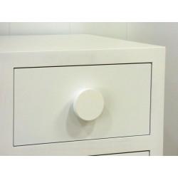 Pomo círculo Diámetro 8 cms. Lacado en color blanco roto.